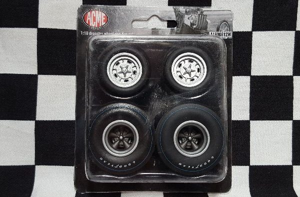 A1800812W – Winged Express 1:18th Drag Wheel & Tyre Set
