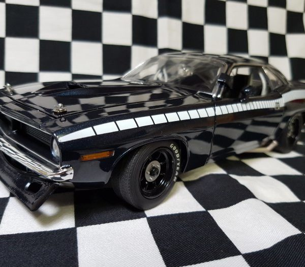 A1806101B – 1970 Blue 1:18th Plymouth Trans AM Cuda Street Car