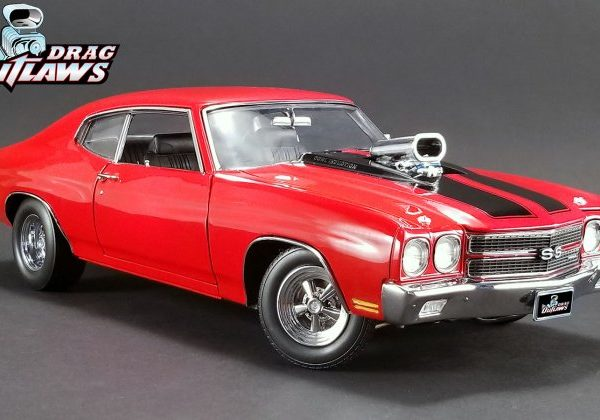 A1805511 – 1970 Hot Custom Red Drag Outlaws 1:18th Chevrolet Chevelle SS