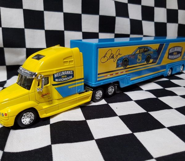 NX8-18061 – 2019 Dale Earnhardt Jr Hellmann's Darlington Throwback 1:64th NASCAR Hauler