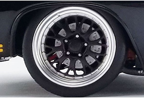 A1805517W – 1:18th Street Fighter Pro Touring Wheel & Tyre Set