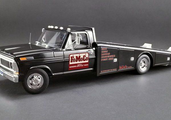 A1801408 – 1970 FoMoCo Genuine Parts 1:18th Black Ford F-350 Ramp Truck