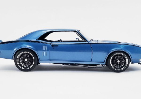 A1805212 – 1968 Pontiac Firebird 1:18th Street Fighter Lucerne Blue W/- Black Stripes